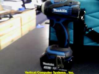 XDT-04 IMPACT WRENCH MAKITA  WITH 18 VOLT BATT BL1830 ATTACHED BLK_AND_GREEN