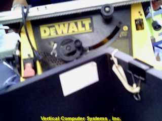 DW744_Q  DEWALT  STAND YELLOW