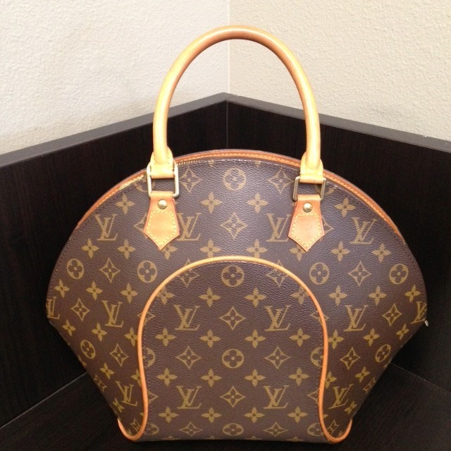 LOUIS VUITTON Handbag ELLIPSE MONOGRAM MM