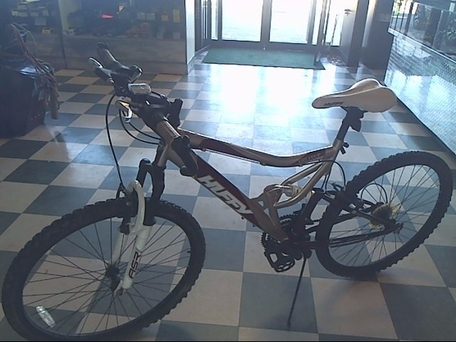 HUFFY BICYCLE Mountain Bicycle MOJAVE GULCH
