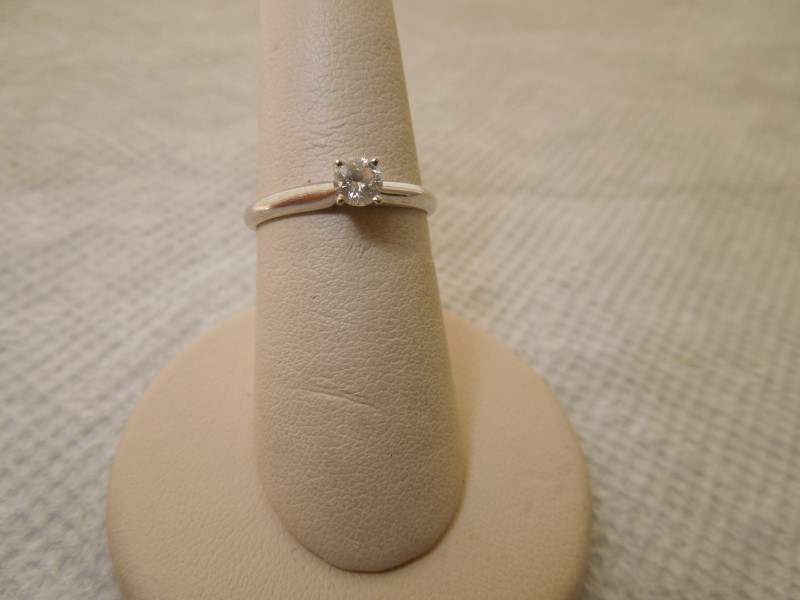 Lady's Diamond Solitaire Ring .24 CT. 14K White Gold 1.9g Size:7