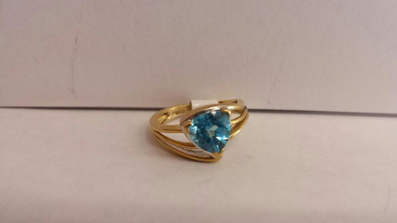 10k Yellow Gold Ring with 1 Aquamarine Stone