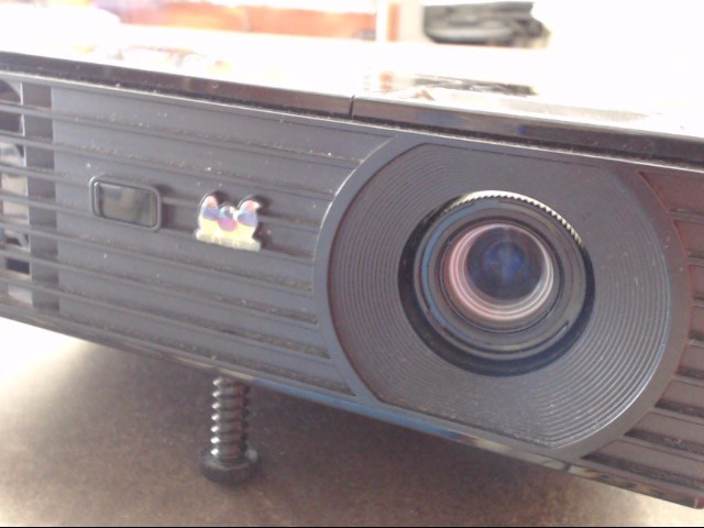 VIEWSONIC Projection Television PJD6235