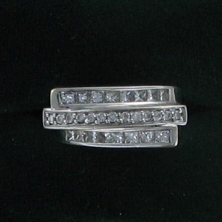 Lady's Diamond Fashion Ring 31 Diamonds 1.29 Carat T.W. 14K White Gold 7.6dwt