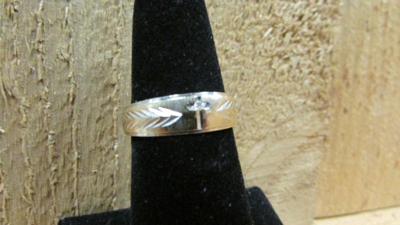 Lady's Diamond Fashion Ring .01 CT. 14K 2 Tone Gold 3.1g Size:6.5