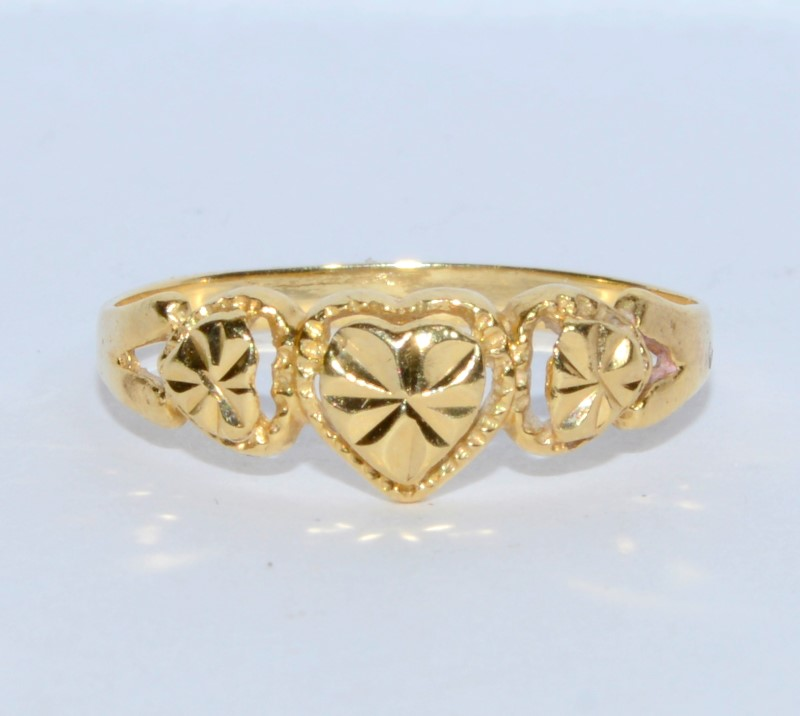14K Yellow Gold Diamond Cut Dainty 3 Heart Ring s. 6