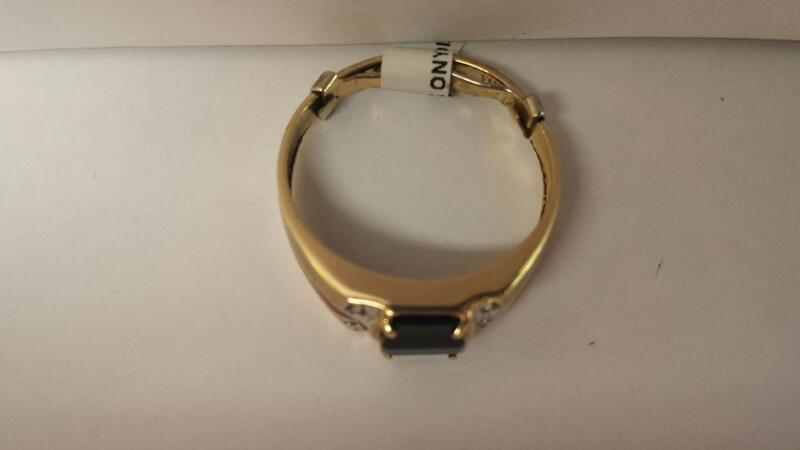 BLACK ONYX Black Stone Gent's Stone & Diamond Ring 4DIAS_APRX_.02CTW