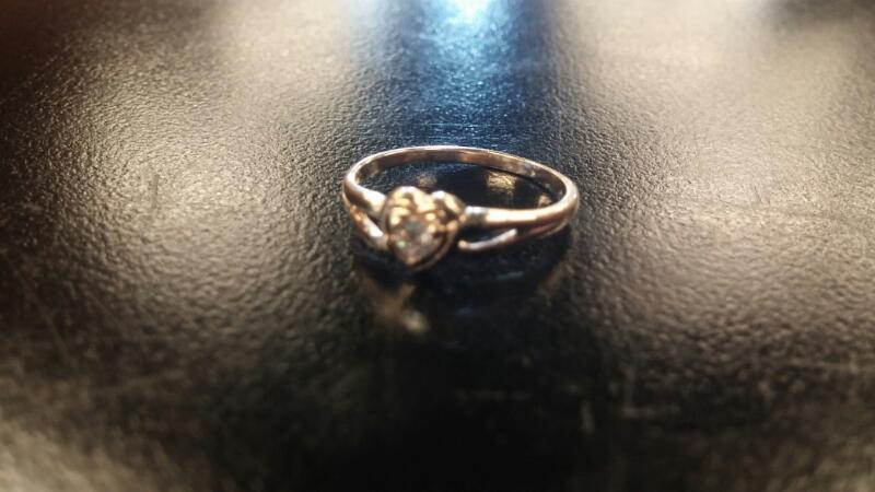 Lady's Gold Ring 10K Yellow Gold 0.6dwt Size:4