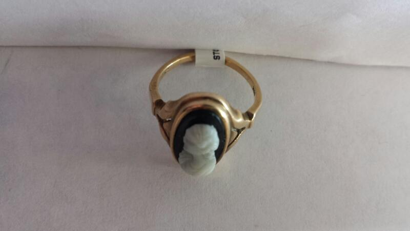 10k Yellow Gold Ring with a Black Stone