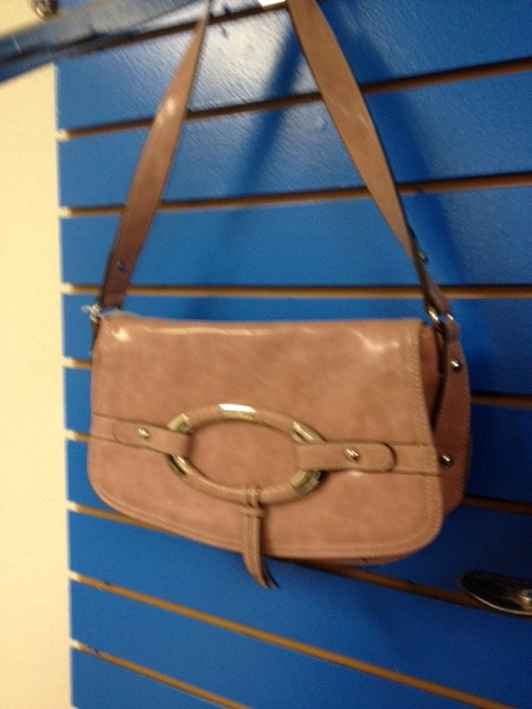 ROSETTIE PINK PURSE WITH WRISTLET
