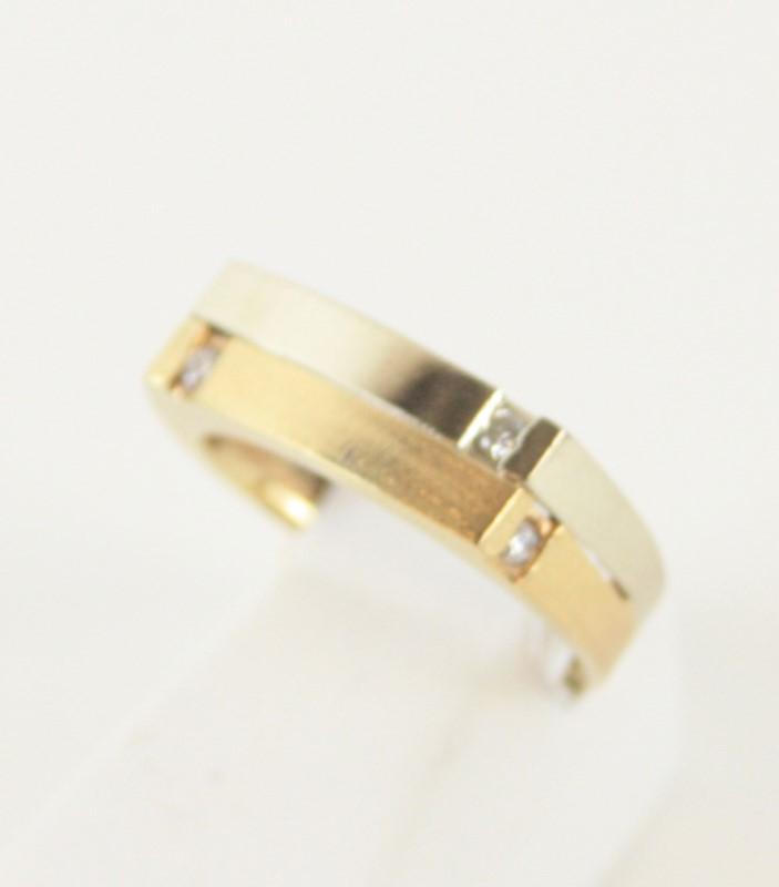 Lady's Diamond Fashion Ring 4 Diamonds .12 Carat T.W. 14K 2 Tone Gold 5g Size:6
