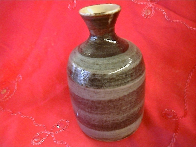 MISC COLLECTIBLES MISC USED MERCH MISC USED MERCH; PIECE OF POTTERY