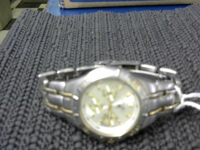 Lady's Diamond Cluster Ring 10 Diamonds .26 Carat T.W. 14K Yellow Gold 2.83g