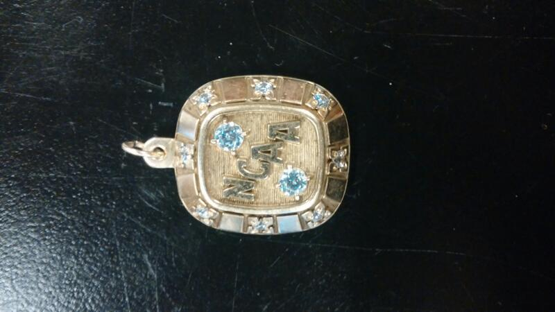 Gold-Multi-Diamond Pendant 10 Diamonds .20 Carat T.W. 10K Yellow Gold 7dwt