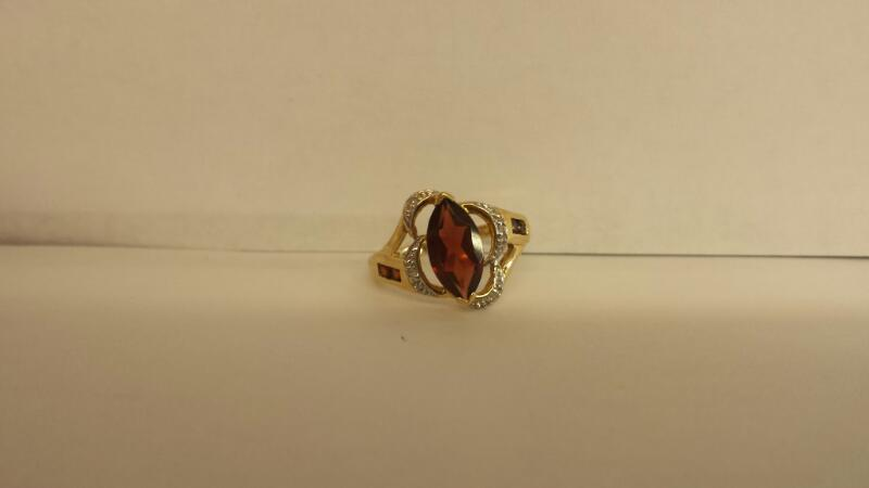 Red Stone Lady's Stone Ring 10K Yellow Gold 1.7dwt Size:7