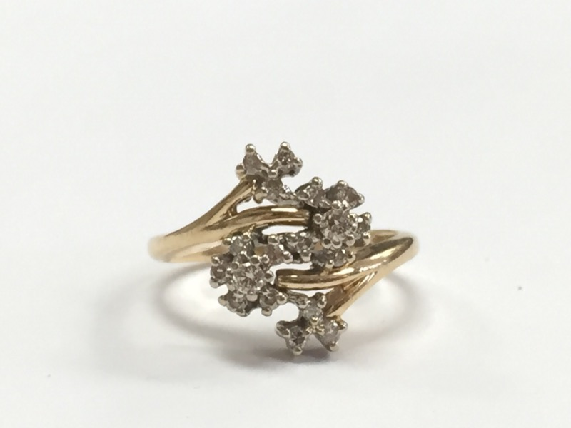 WOMEN'S 14K YELLOW GOLD, DIAMOND CLUSTER RING, SIZE 7.5