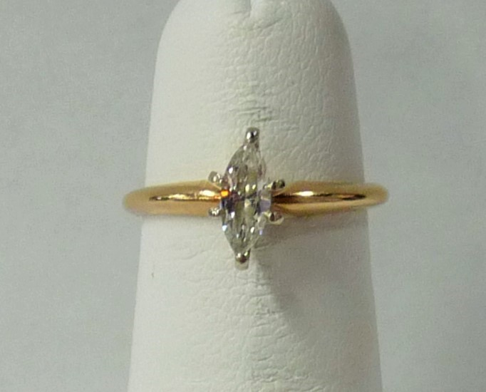 Lady's Diamond Engagement Ring .40 CT. 14K Yellow Gold 1.2dwt