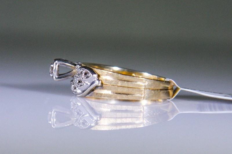 Lady's Diamond Solitaire Ring 5 Diamonds .09 Carat T.W. 10K Yellow Gold 3.5g