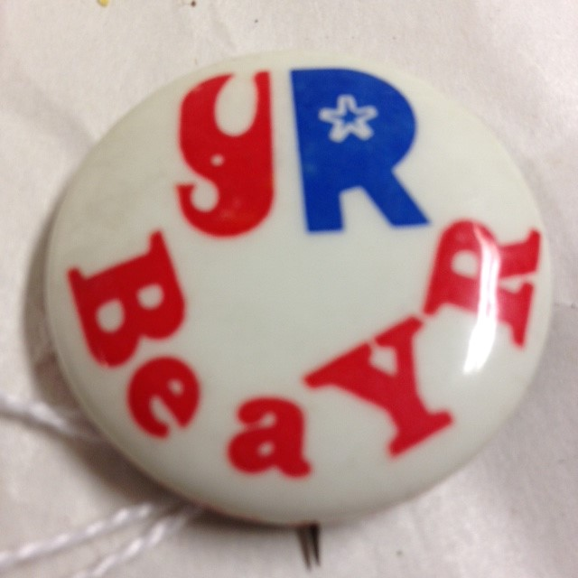 1972 BE A YOUNG REPUBLICAN POLITICAL BUTTON