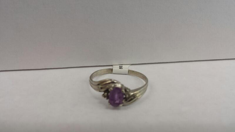 10k White Gold Ring with 1 Purple Stone and 2 Diamond Chips