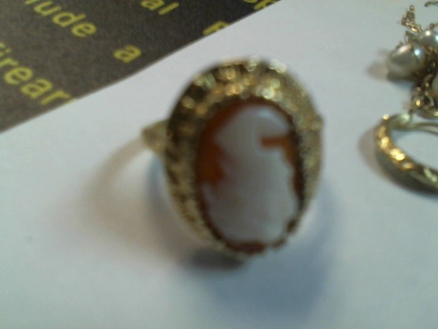 Lady's Gold Ring 14K Yellow Gold 3g