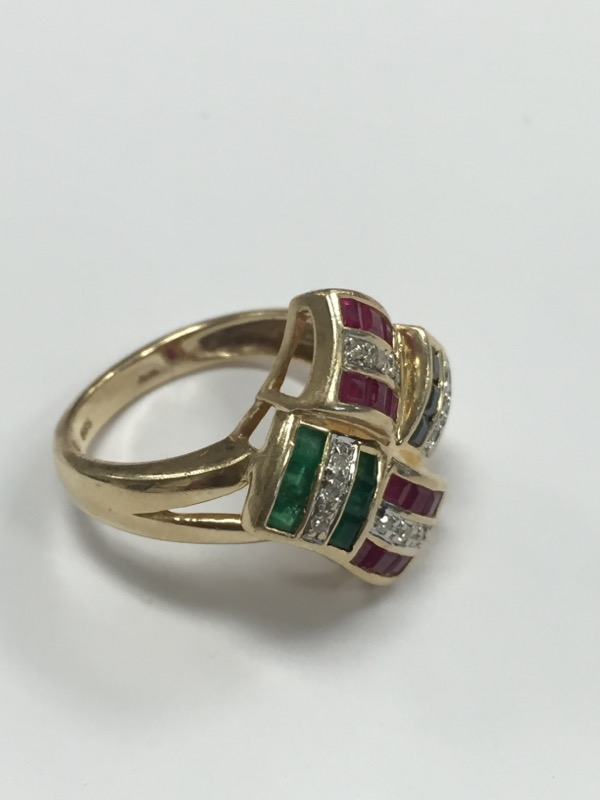 RUBY EMERALD SAPPHIRE AND DIAMOND 14K YELLOW GOLD RING, SIZE (6.5)