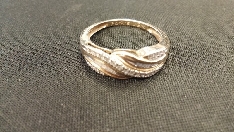 Lady's Diamond Fashion Ring 40 Diamonds .040 Carat T.W. 14K Yellow Gold 2dwt