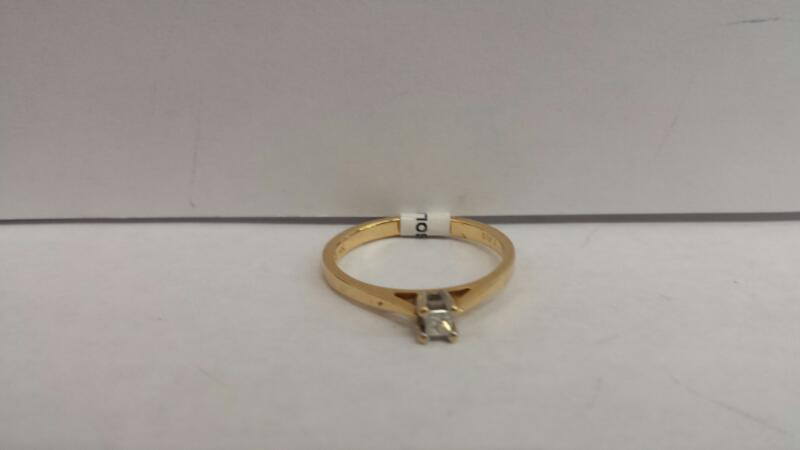 10k Yellow Gold Ring with 1 Diamond
