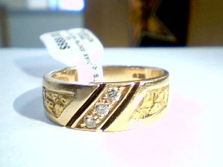 Gent's Gold-Diamond Wedding Band 3 Diamonds .15 Carat T.W. 14K Yellow Gold 7.2g