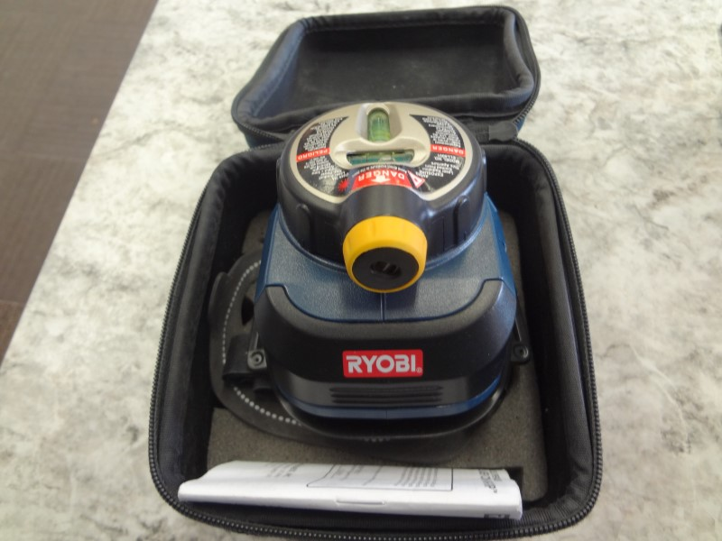 RYOBI AIR GRIP COMPACT LASER LEVEL WITH CASE