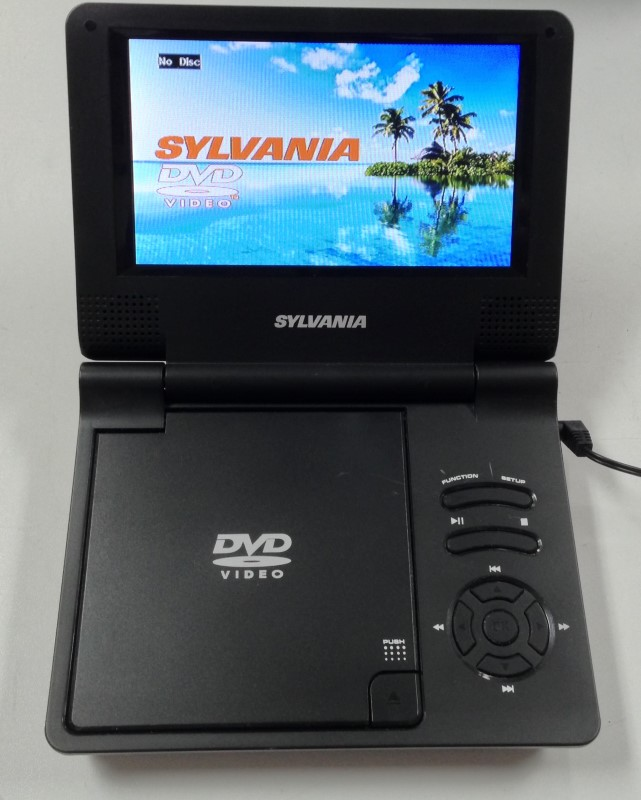 SYLVANIA PORTABLE RECHARGEABLE DVD PLAYER SDVD7014 7""