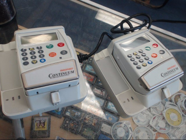 MEDRAD CONTINUUM MODEL 3009135 INFUSION SYSTEM PUMPS WITH CHARGER HOLDERS