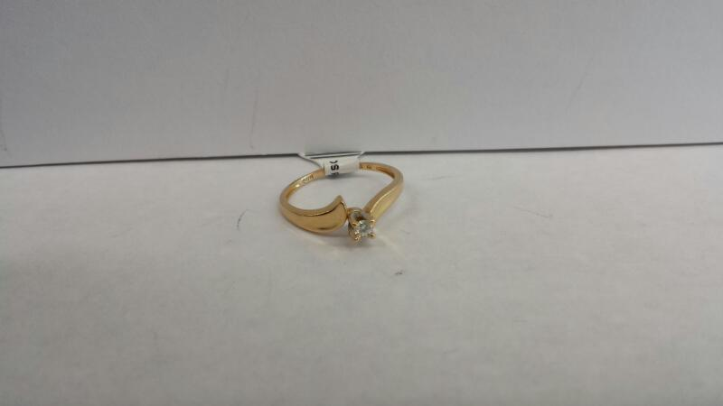 14k Yellow Gold Ring with 1 Diamond