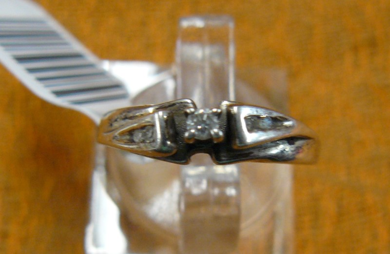 Lady's Silver-Diamond Ring 5 Diamonds .06 Carat T.W. 925 Silver 1.34dwt