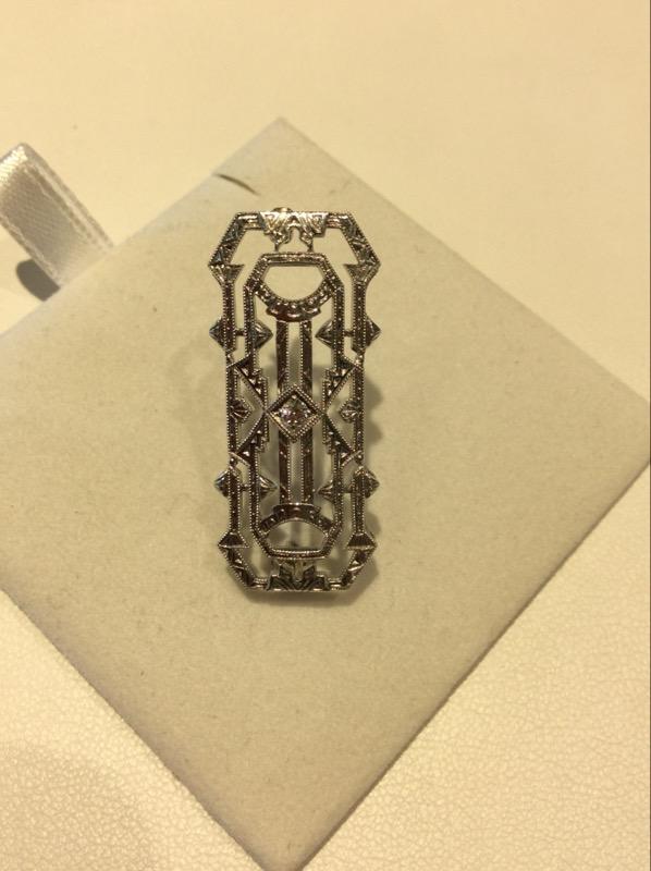 White Gold Round Diamond Antique Antique Pendant Pin
