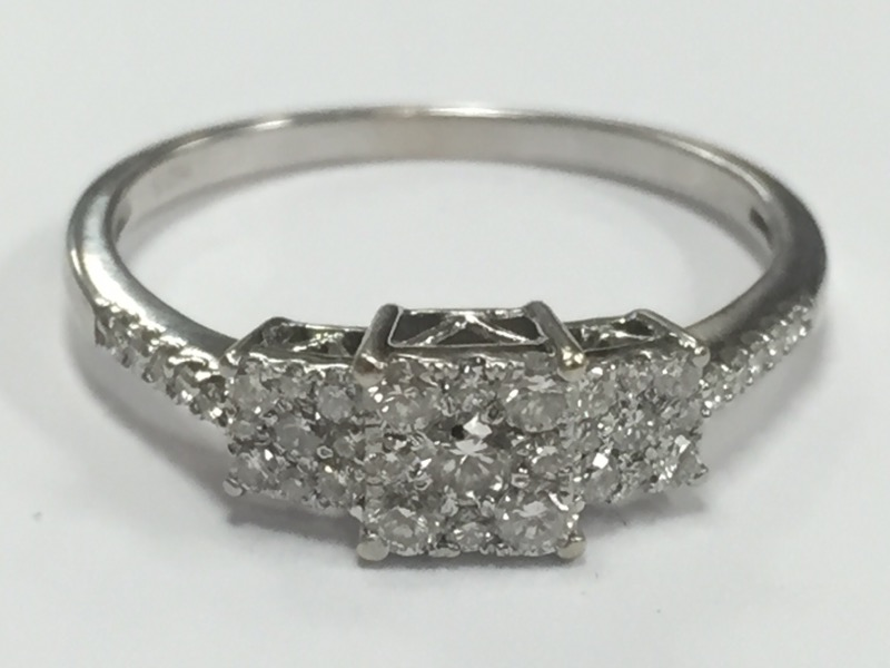 DIAMOND CLUSTER ENGAGEMENT RING OVER 1 CARAT 10K WHITE GOLD SIZE 8.75