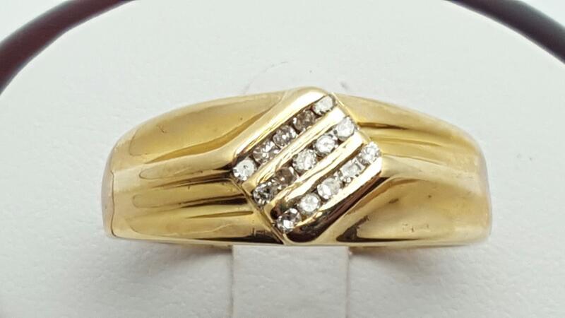 Gent's Gold-Diamond Wedding Band 15 Diamonds .30 Carat T.W. 10K Yellow Gold