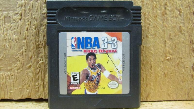 NINTENDO Vintage Game NBA - 3 ON 3 - KOBE BRYANT (GAMEBOY)