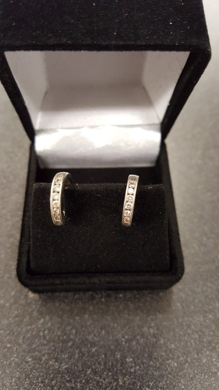 Gold-Diamond Earrings 12 Diamonds .24 Carat T.W. 14K White Gold 2.7g