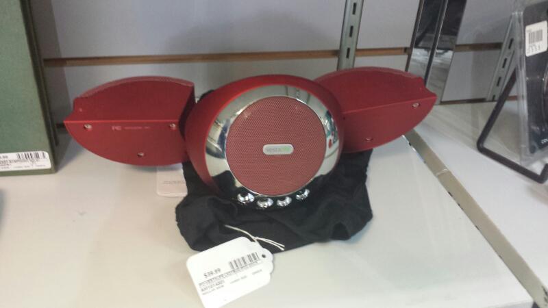 Vestalife Ladybug Ipod Dock Red with Remote and Soft Case