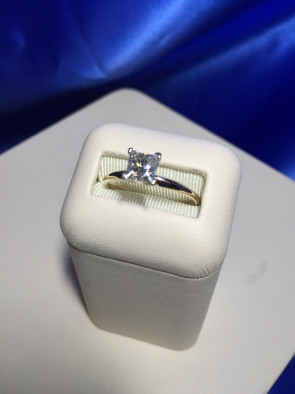 Lady's Diamond Engagement Ring .73 CT. 14K Yellow Gold 2.3g