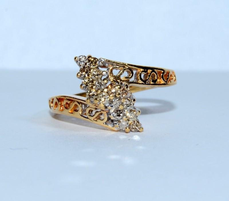 10K Yellow Gold Marquise Shaped Diamond Cluster Fliligree Ring sz 5.25