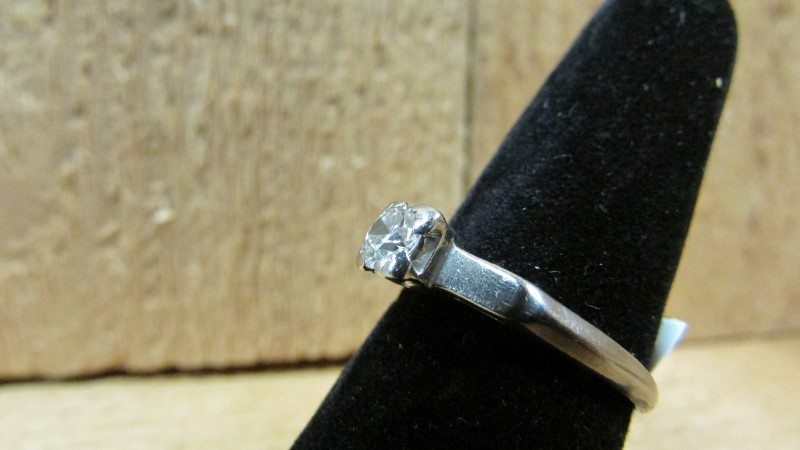 Antique Lady's Diamond Solitaire Ring .41 CT. 14K White Gold 3.1g Size:8.5