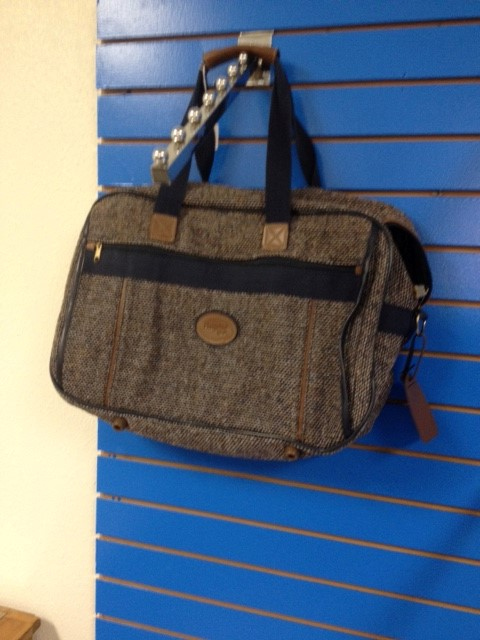 HAMPSHIRE BLUE TWEED CARRY ON