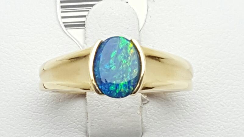 Lady's Boulder Black Opal Ring 14K Yellow Gold 5.8g