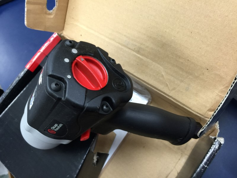 "CHICAGO PNEUMATIC CP7749-2 1/2"" impact wrench"