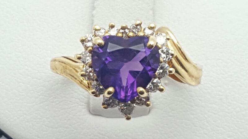 Amethyst Lady's & Diamond Ring 16 Diamonds .16 Carat T.W. 14K Yellow Gold