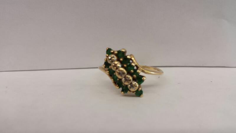 10k Yellow Gold Ring with 12 Green Stones and 5 Diamond Chips