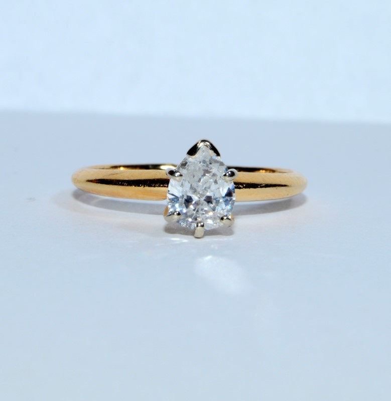 14K Yellow Gold Pear Shaped Diamond Solitaire Engagement Ring sz 4.75