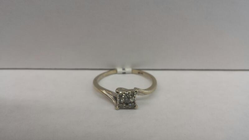 10k White Gold Ring with 9 Stones